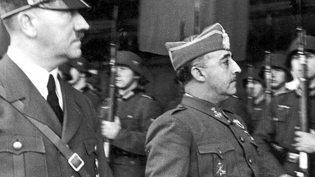 abc  .  Hitler (izquierda) y Franco, durante la entrevista de Hendaya, el 23 de octubre de 1940