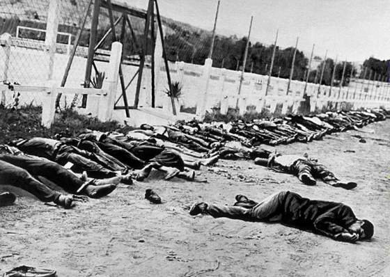 Cientos de argelinos muertos en un campo de fútbol por las fuerzas de represión francesas