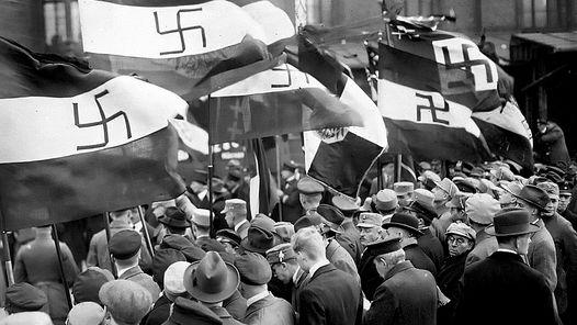 LOS PRIMEROS NAZIS. Los inicios del movimiento nacional socialista en la República de Weimar.