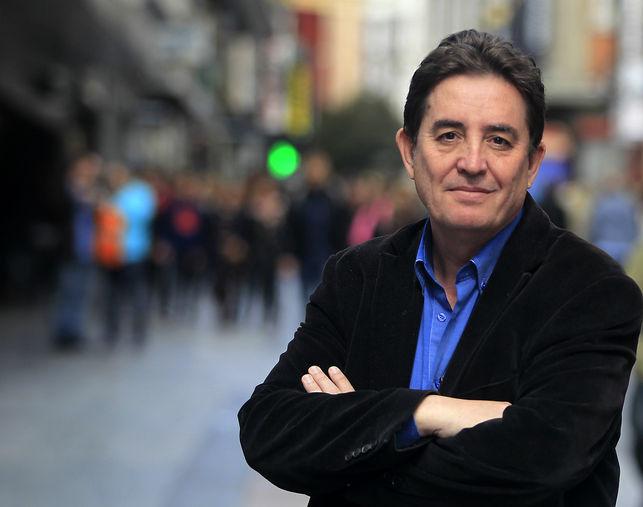 Luis García Montero, poeta y candidato de IU a la presidencia de la Comunidad de Madrid. / Marta Jara