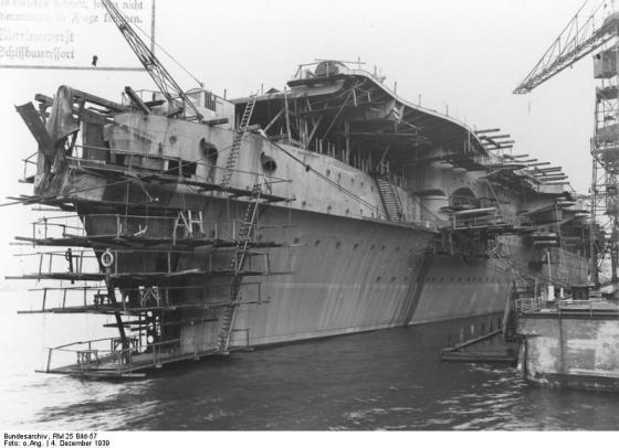 El casco del Graf Zeppelin, tras su botadura. Fue lo más cerca que estuvo Alemania de poseer un portaaviones.