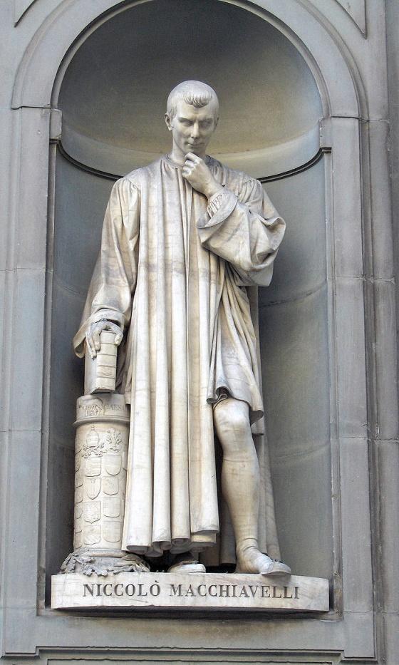 Estatua de Maquiavelo en la Galería Uffizi.