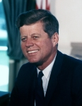 John Fitzgerald Kennedy – Trigésimo quinto presidente de los EstadosUnidos*