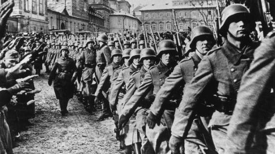 Pujol tuvo tanto éxito engañando a los alemanes que éstos incluso lo condecoraron con la Cruz de Hierro por sus esfuerzos.