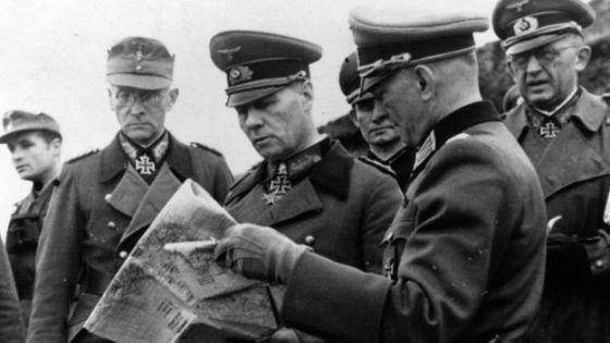 Los alemanes condecoraron a Pujol por sus servicios.
