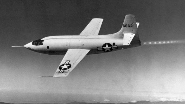 El récord de Chuck Yeager en el Bell X-1 fue precedido de los intrépidos vuelos en picada de los Spitfire.