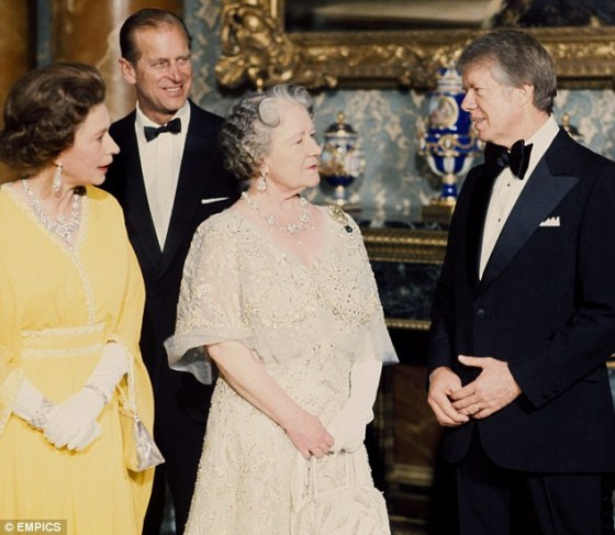 queen-e-ii-and-queen-mum-with-jimmy-carter